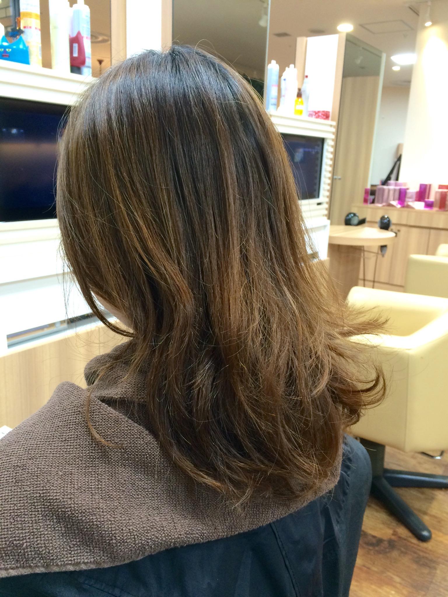 髪の毛も肌と一緒です!!日焼けを防ぐ方法!!