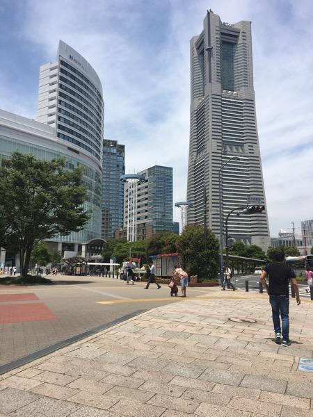 横浜に来ました。